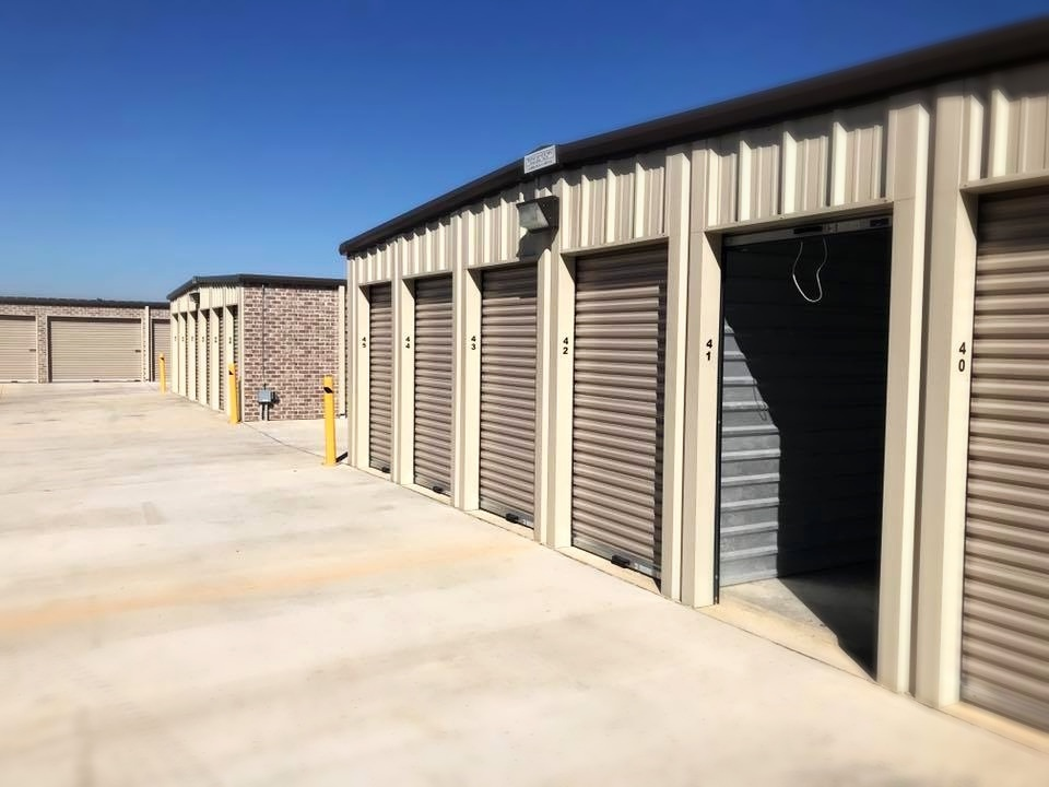 A view of self storage at Southaven Storage.