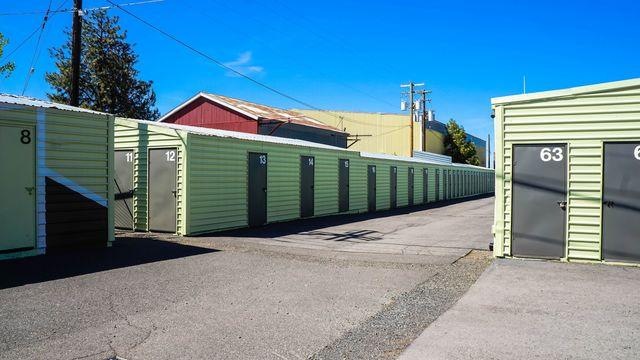 Medium blue elephant storage  scott street 6