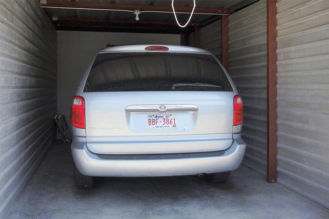 Medium 06 car