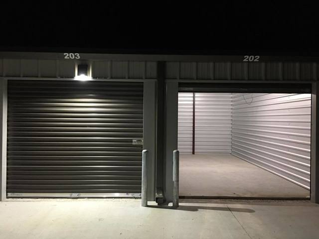 Medium lighting in 10x20 units
